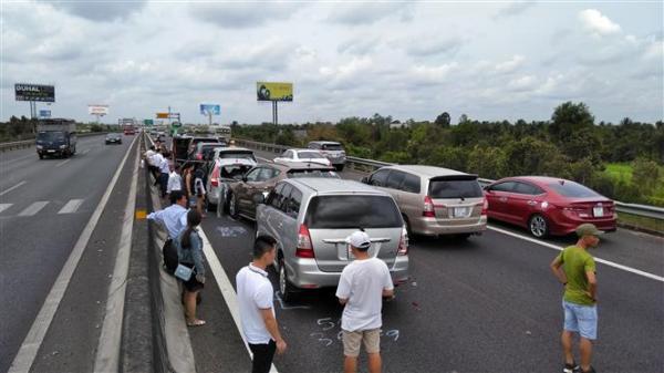 Ngày nghỉ lễ thứ 2, 38 người thương vong vì tai nạn, ra đường và mãi không trở về nữa