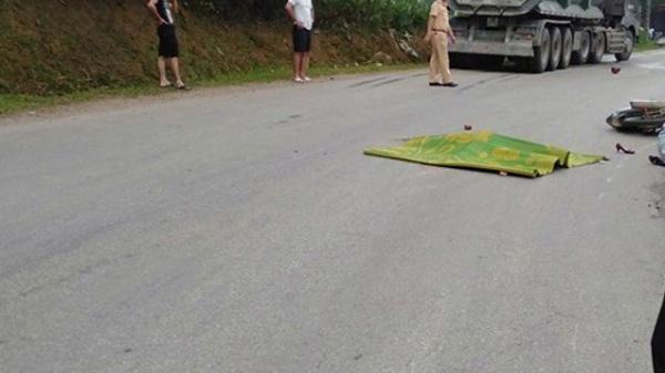 Mẹ tử vong, con bị thương nặng trên đường đi mua thuốc sau tai nạn