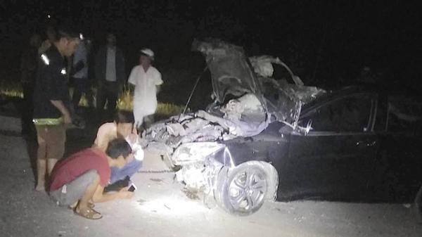 Diễn viên nổi tiếng t.ử v.ong vì tai nạn giao thông do chồng đỗ xe bên đường để đi... vệ sinh?