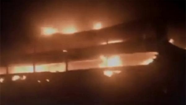 Xe giường nằm bốc cháy khi 45 hành khách đang say giấc