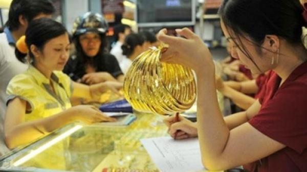 Giá vàng vọt kỷ lục sau một đêm, vượt 39 triệu đồng/lượng