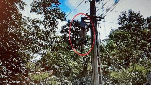Hi hữu: Tài xế xe tải bị điện giật treo lơ lửng trên đường dây