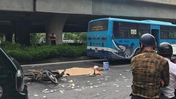Va chạm với xe buýt, người đàn ông điều khiển xe máy tử vong, thi thể bị biến dạng