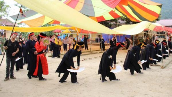 Cùng ngược miền Đông Bắc khám phá lễ hội Nàng Hai của dân tộc Tày