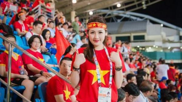Nhiều nghệ sĩ Việt không nhận show, tụ tập xem trận Việt Nam - Thái Lan