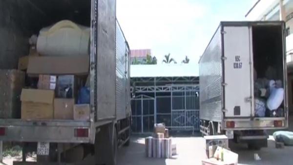 Bình Minh (Vĩnh Long): Bắt 3 xe chở thực phẩm, linh kiện không rõ nguồn gốc