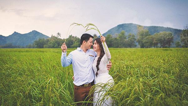 Bộ ảnh cưới bên cánh đồng lúa An Giang đẹp ngỡ ngàng khiến ai nhìn cũng muốn cưới ngay kẻo lỡ