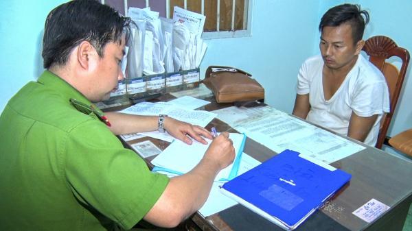 Vĩnh Long: Bắt giữ đối tượng cướp giật tài sản