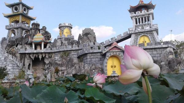 Ngay gần Vĩnh Long có một ngôi chùa đẹp như tiên cảnh nhất định phải đến dịp Tết này