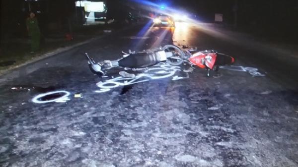 Vĩnh Long: Hai xe máy đối đầu, 1 người tử vong