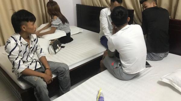 Một cô gái cùng 4 thanh niên thuê khách sạn rồi thác loạn m.a tú.y