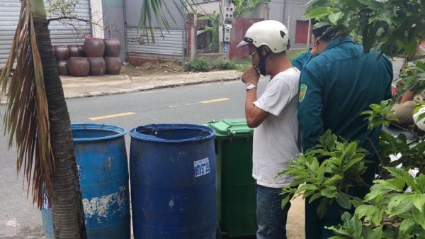 Đi nhặt ve chai, phát hiện th.i th.ể thai nhi bị vứt trong thùng rác
