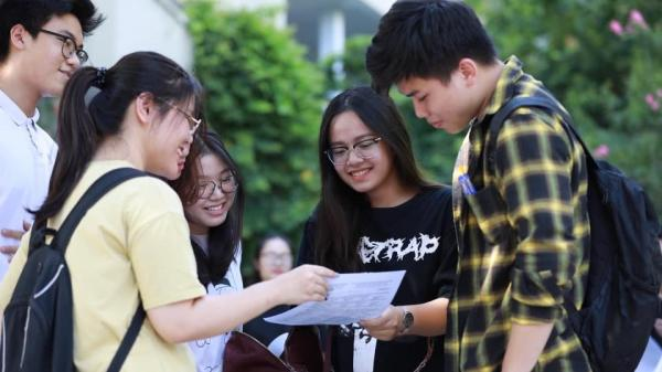 Điểm bài thi THPT Quốc gia tính thế nào nếu có lệch số giữa 2 giám khảo?