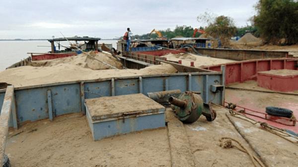 Long Hồ (Vĩnh Long): Xử phạt 11 vụ khai thác cát trái phép trên sông Tiền và sông Cổ Chiên