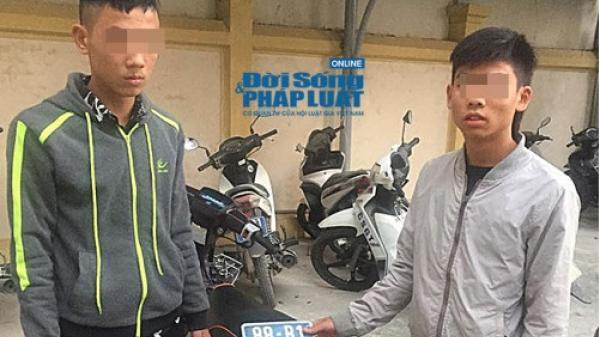 Bắt giữ hai đối tượng giấu 1 BKS của Công an Vĩnh Phúc trong cốp xe