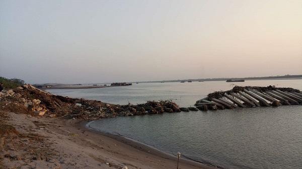Vĩnh Phúc: Dự án kè hơn 84 tỷ trên sông vừa bàn giao đã đổ sập