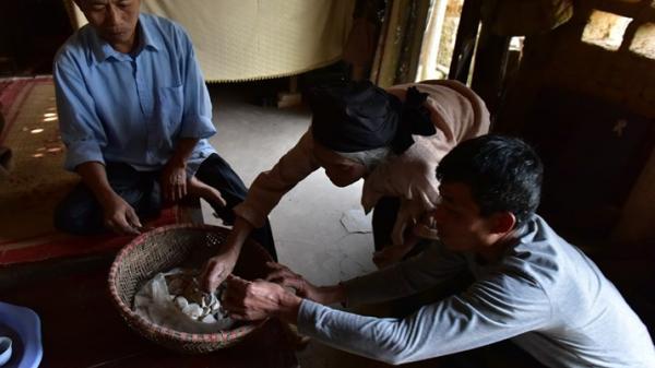 Những người bốc đất về ăn chỉ có ở Vĩnh Phúc