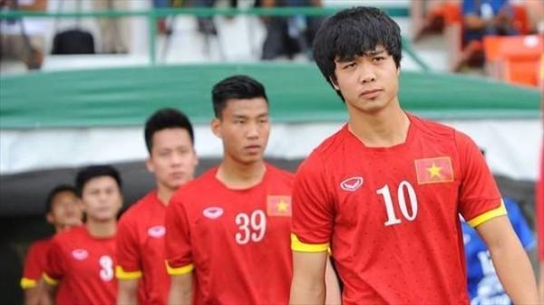 Clip Công Phượng dẫn đầu dàn sao U23 Việt Nam cầu hôn cho một người bạn tên… Dũng
