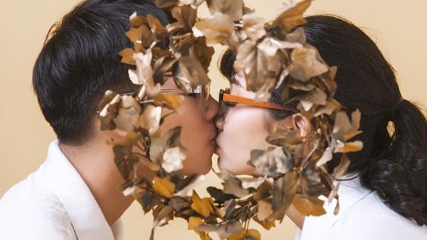 Dân mạng dậy sóng với hình ảnh cô gái Thanh Hóa được cầu hôn bằng vòng nguyệt quế Đường lên đỉnh Olympia