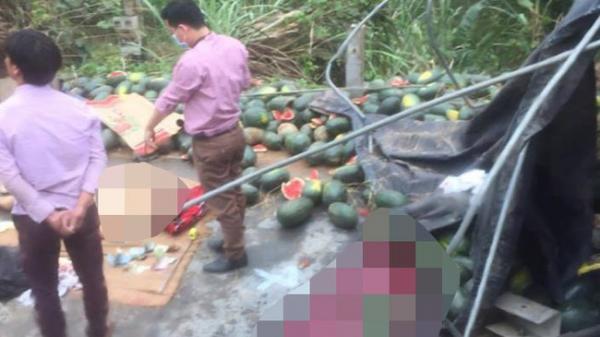 Kinh hoàng xe tải bất ngờ lật khiến 2 người đàn ông quê Vĩnh Phúc thương vong
