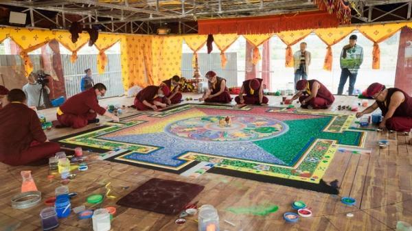 Mandala đá quý lớn nhất Việt Nam được chế tác tại Tây Thiên (Vĩnh Phúc)