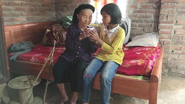 Vĩnh Phúc: Xót xa nhìn hoàn cảnh em nhỏ mồ côi, một mình chăm sóc bà nội già yếu