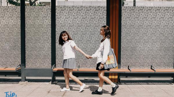 Giới trẻ đua nhau check-in tại trạm bus sang chảnh nhất Sài Gòn
