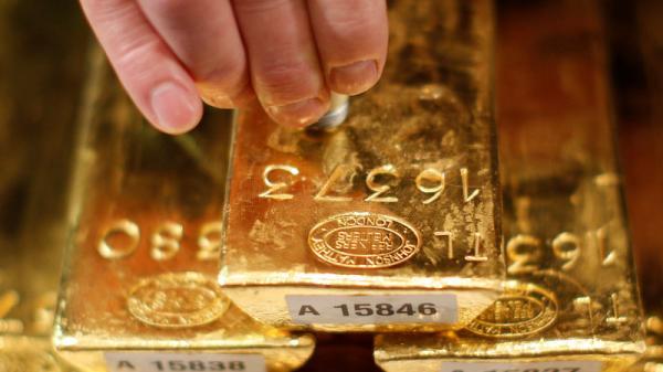 Giá vàng hôm nay 9/4: USD được đà, dìm vàng chìm sâu không tưởng