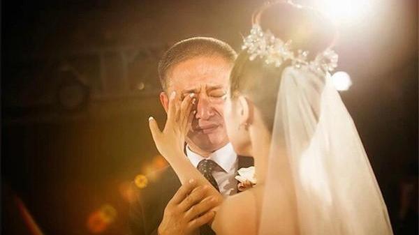 Bức thư người cha Vĩnh Phúc gửi con gái ngày cưới: Đừng coi hôn nhân là cả một bầu trời