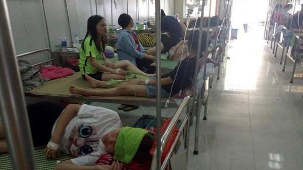 Vĩnh Phúc: Liên hoan chia tay, hơn 70 sinh viên nhập viện vì ngộ độc