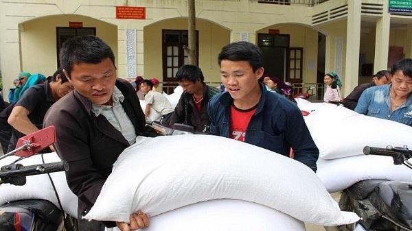 Hà Giang: Gần 15.000 hộ dân Mèo Vạc tiếp nhận gạo hỗ trợ bảo vệ rừng năm 2018