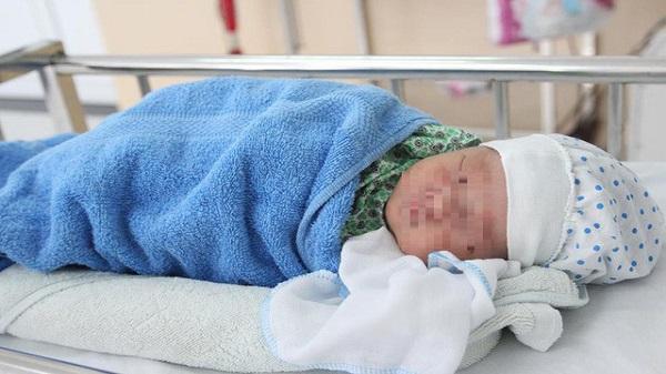 """Bé sơ sinh bị mẹ Vĩnh Phúc bỏ rơi tại bệnh viện đã khỏe mạnh: Nhiều """"mẹ"""" muốn xin con về nuôi"""