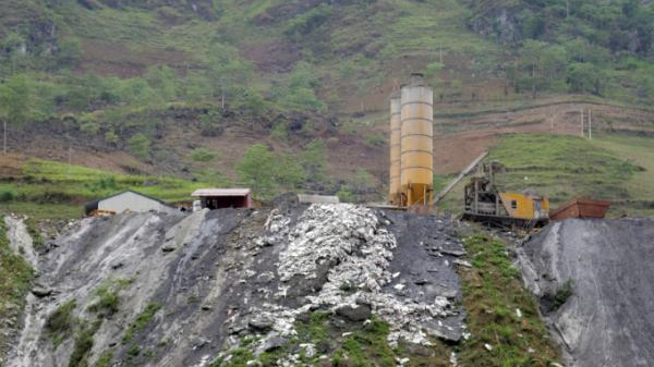 Hà Giang: Kiểm tra nhà máy thủy điện xả thải bê tông dư thừa xuống sông Nho Quế