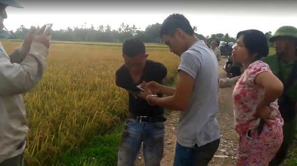 Thanh Hóa: Cầm vũ khí đi vòi tiền gặt lúa, giang hồ bị người dân đánh nhừ tử