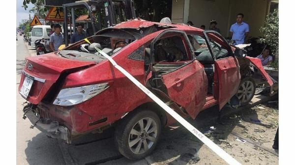 Hải Phòng: Đang làm rõ việc xe ô tô con tự dưng phát nổ trên đường