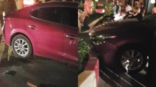 Hà Nội: Người dân cầm gạch phá kính cứu tài xế say xỉn làm 'xiếc' trên đường rồi đâm vào dải phân cách
