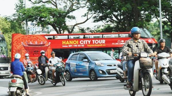 Trải nghiệm xe buýt 2 tầng mui trần ngắm Thủ đô Hà Nội từ trên cao: 300.000 đồng cho một vé liệu có đáng?