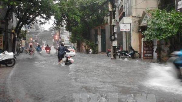 Ngày 17/8: Bắc Bộ tiếp tục mưa to, đề phòng dông lốc mạnh