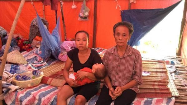 Xót xa hoàn cảnh của gia đình tại Vĩnh Phúc: Ba thế hệ chung sống dưới một túp lều