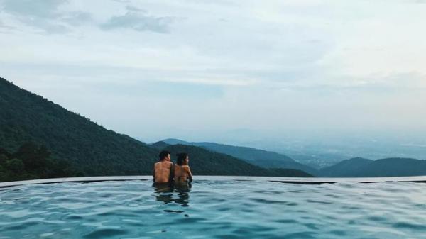 """Thả hồn giữa những hồ bơi vô cực đẹp xuất sắc và cực """"sang chảnh"""" từ Bắc chí Nam"""