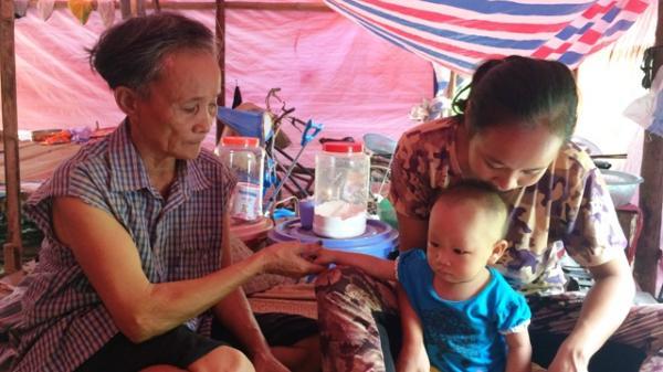 Vĩnh Phúc: Xót xa cảnh người vợ lẽ cùng con gái, cháu ngoại sống trong túp lều không điện, nước 24 năm