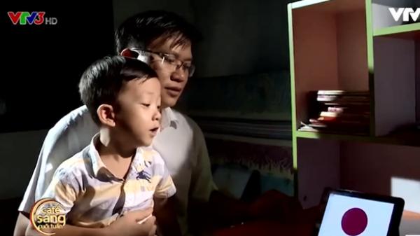 Thán phục cậu bé 5 tuổi ở Vĩnh Phúc: Đọc vanh vách gần 50 quốc kỳ trên thế giới bằng tiếng Anh