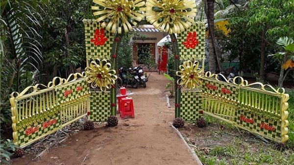 """Ngỡ ngàng với những cổng lá dừa """"chất phát ngất"""" của đám cưới Việt"""