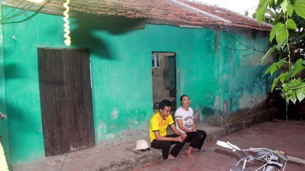 Vĩnh Phúc: Rơi nước mắt trước cảnh nhà nghèo, mẹ mắc bệnh tâm thần vẫn bươn chải nuôi con học đại học