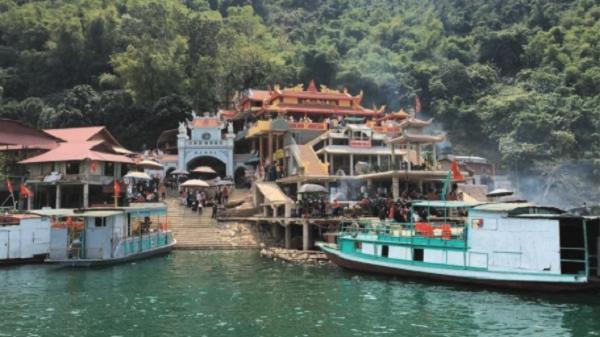 Những đền - chùa nổi tiếng linh thiêng ở miền Bắc cho lễ tạ cuối năm