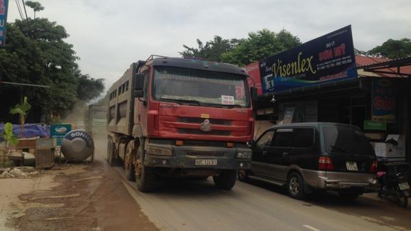 Vĩnh Phúc: Dân khổ sở vì xe chở đất