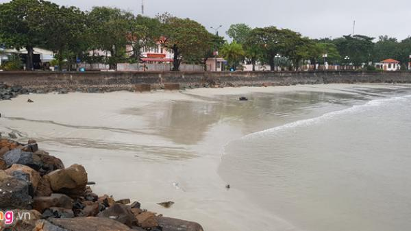 Diễn biến mới nhất của cơn bão số 16: Côn Đảo bất ngờ lặng gió, nước biển rút
