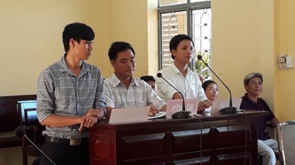 Bà Rịa Vũng Tàu: Chủ tịch xã phải đền hơn trăm triệu đồng vì ra văn bản 'lạ'