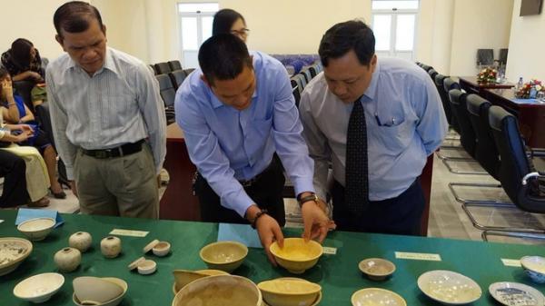 Một người hiến hàng trăm cổ vật giá trị cho bảo tàng tỉnh Bà Rịa-Vũng Tàu.