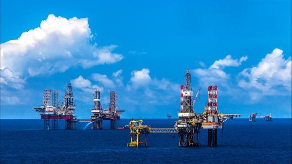 Vũng Tàu: Mỏ dầu khí lớn nhất Việt Nam sừng sững giữa biển khơi